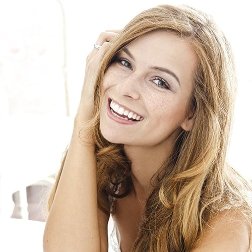 Porcelain veneers are popular and our dentist in Renton loves the benefits of them to her patients.